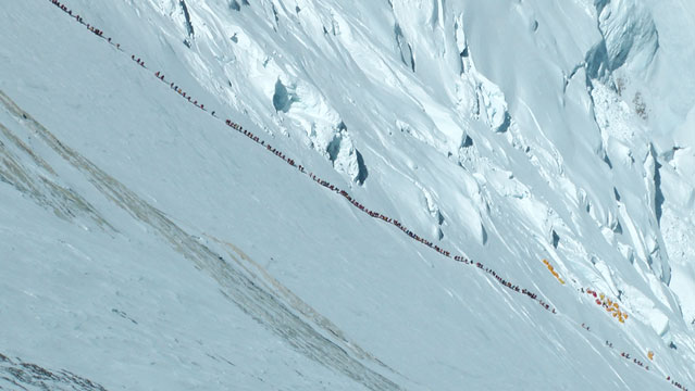Everest traffic jam