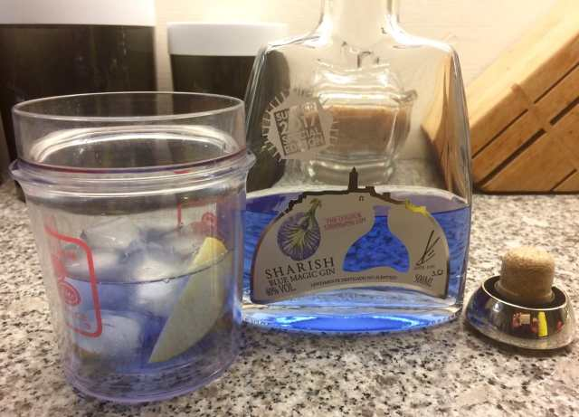 Blue gin w apple